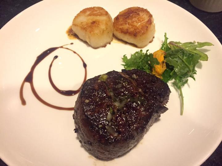 アメリカのステーキ。 いただきます!