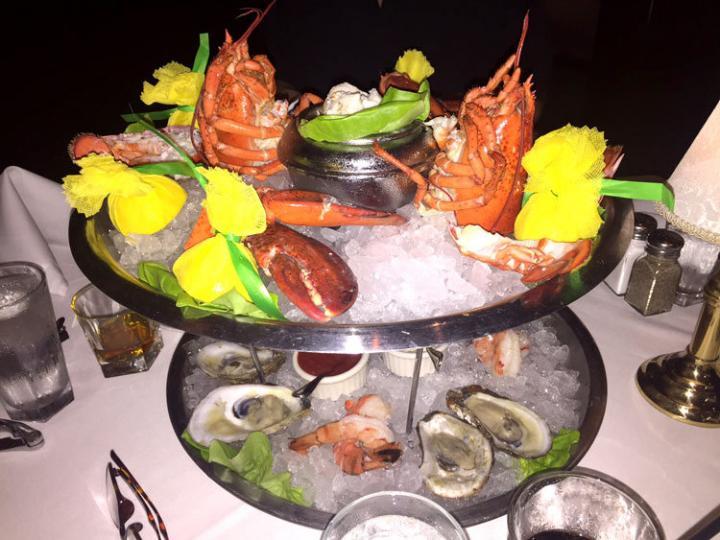フロリダの美味しいディナーに舌つづみ!
