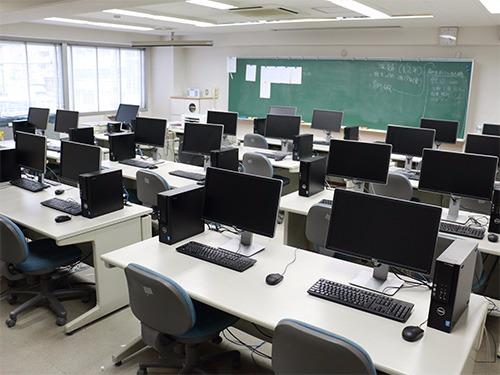 コンピュータールーム