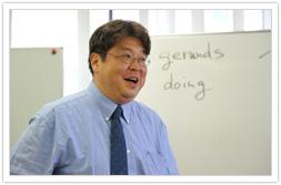 高橋俊也先生 学生部長