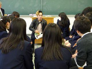 、高校生と留学生の交流授業005