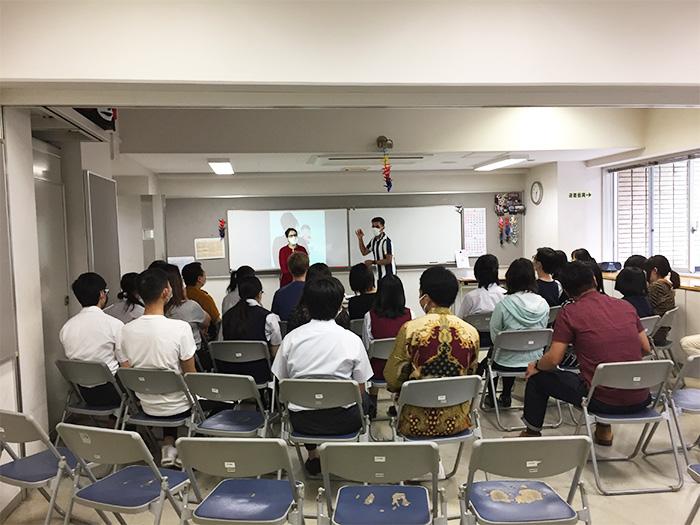 高等課程の生徒たちと交流授業を行いました