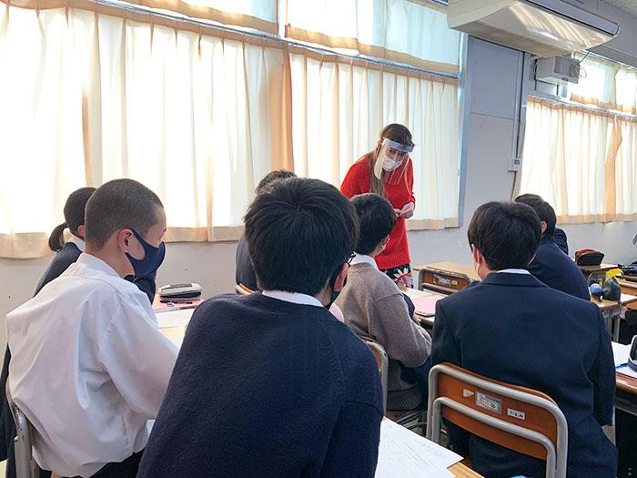 11月5日(木)に、神奈川県立港北高等学校の国際理解教室の講師として日本語学科の留学生をお招きいただきました。