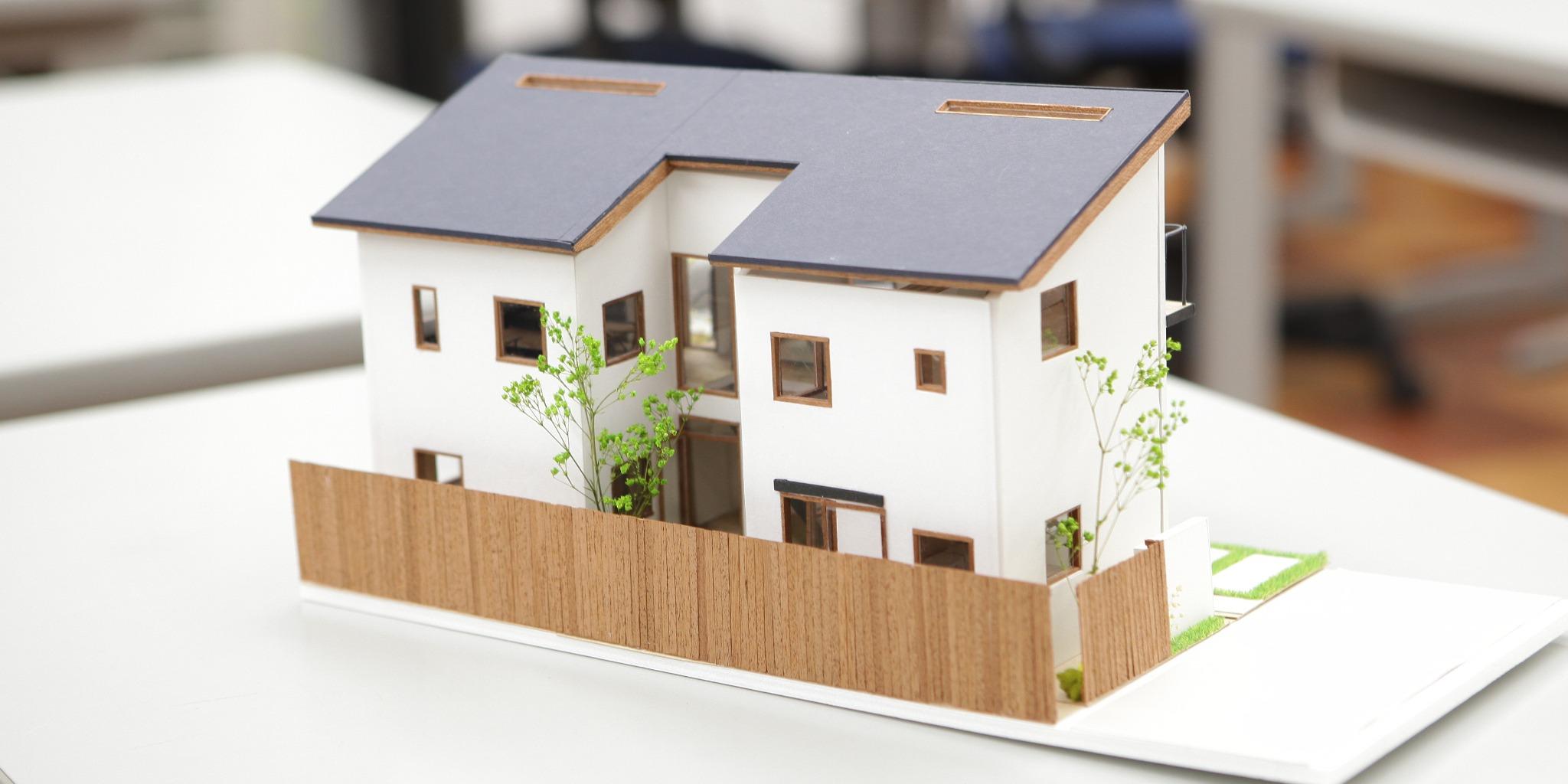 「意匠設計・都市計画」「構造設計」「住宅設計」・・・建築業界の仕事や役立つ資格をご紹介